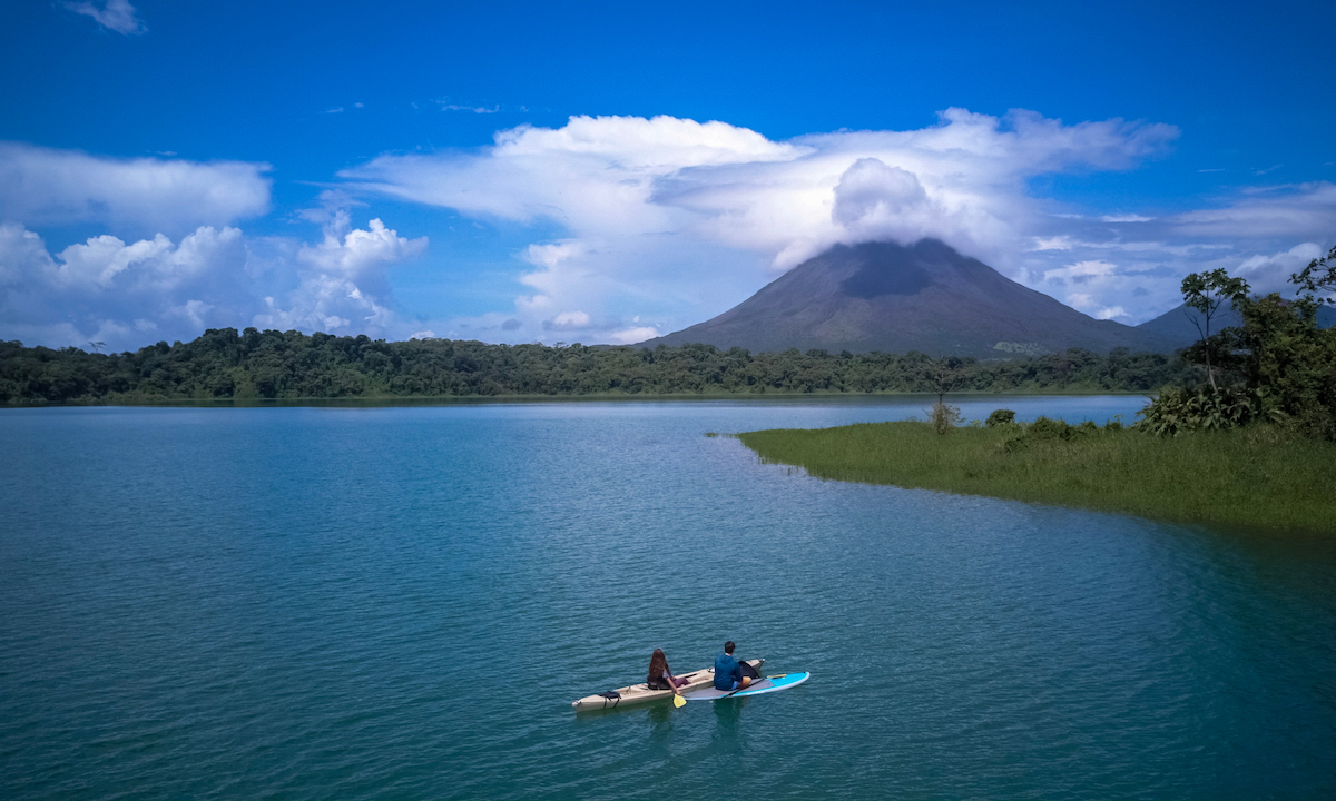 paddle boarding costa rica arenal lake