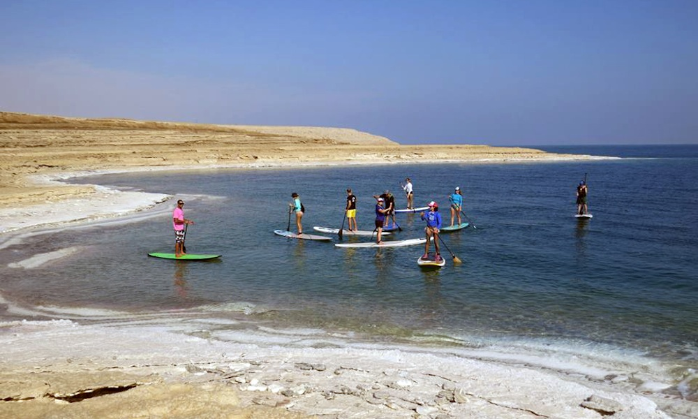 paddle boarding the dead sea