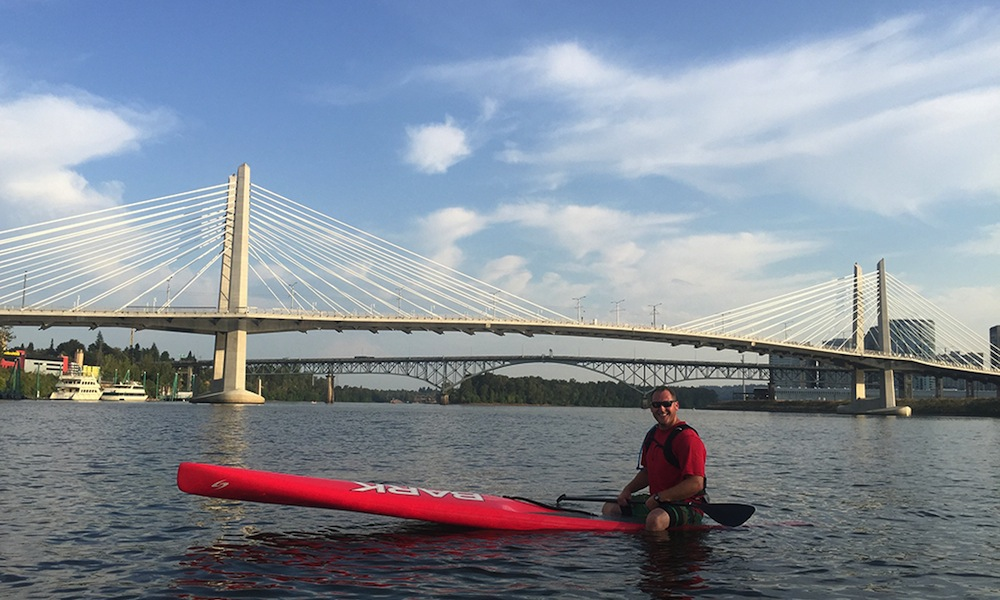 willamette river photo brett downen sup brett murray tilikumcrossing