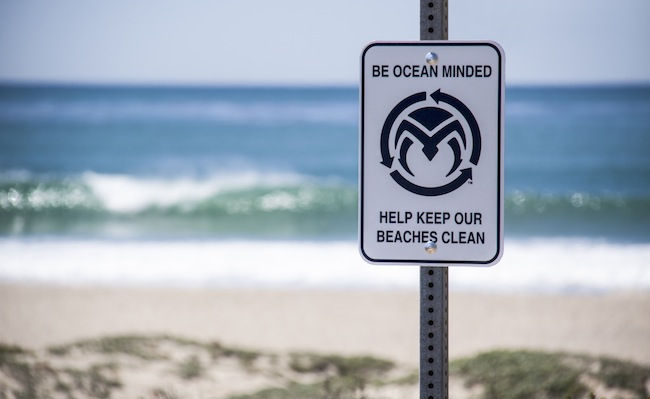 OM BeachSign Uppers