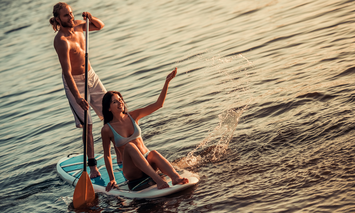 valentines day date paddleboarding