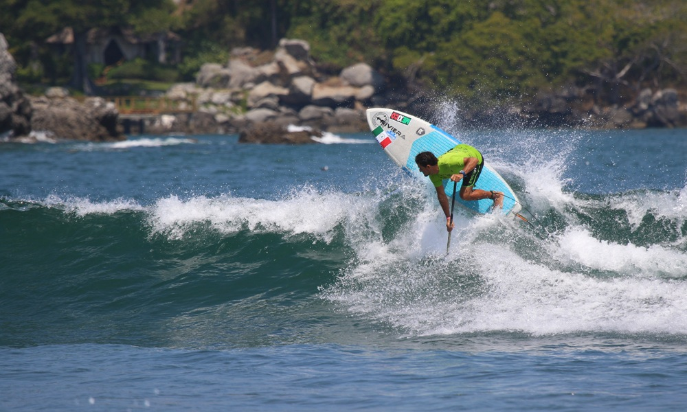 Pipe ISA Surf Compitition