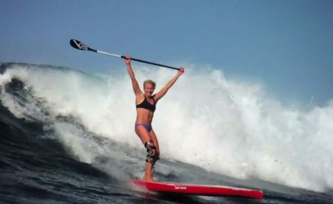SUP Surfing Fun With Sonni Honscheid