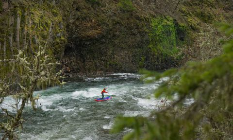 Winter Whitewater SUP In Hood River, Oregon