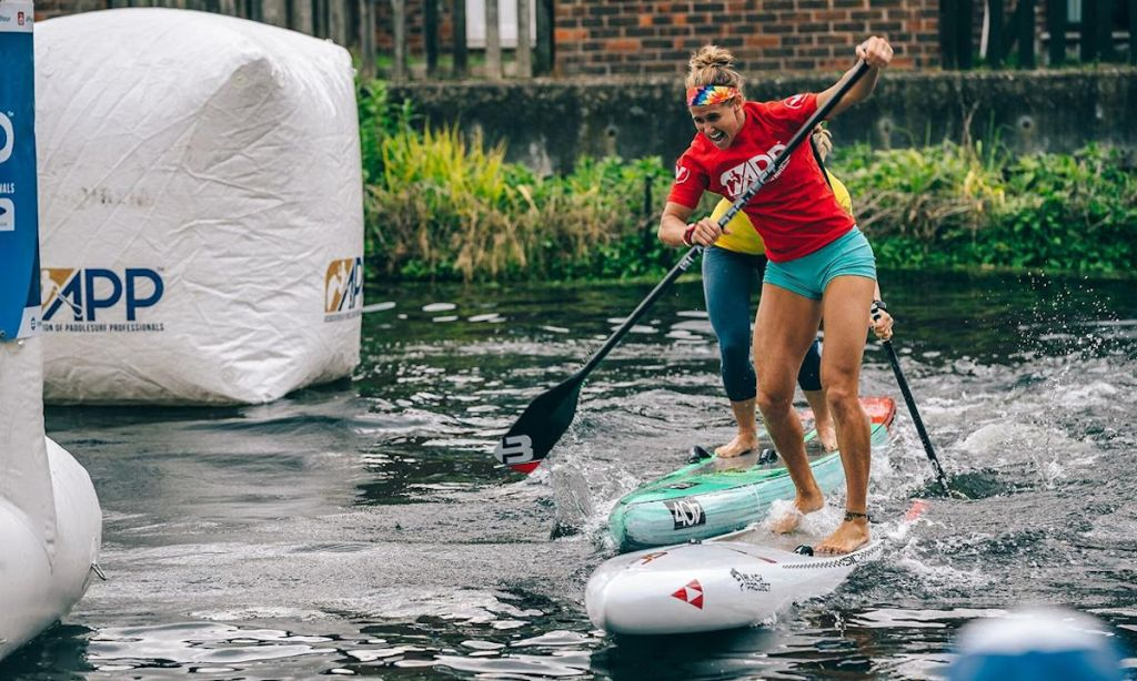 Seychelle Webster powering through to victory at the London SUP Open. | Photo: APP World Tour