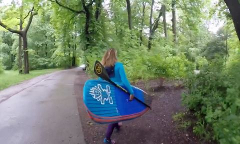 Fiona Wylde Paddles & SUP Surfs Germany
