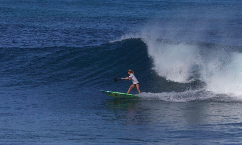 Sophia Bartlow ripping in Hawaii. | Photo via: Waterman League