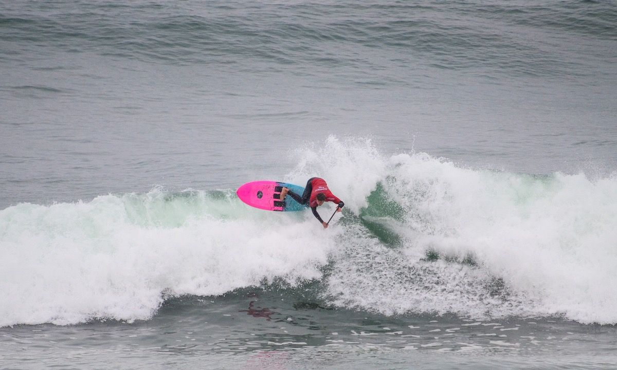 Giorgio Gomez (COL) finishing strong at Punta Rocas in the first SUP Surfing heats of the competition. | Photo: Latinwave