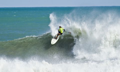 Overall leader Caio Vaz (BRA) during the SUP Surfing competition in Fiordland. | Image courtesy of Cory Scott