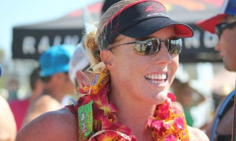 Candice Appleby won the SupConnect 2012 SUP Woman of the Year Elite Division.