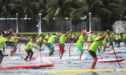2016 Air France Paddle Festival Lagoon Race | Photo courtesy: Va'a News