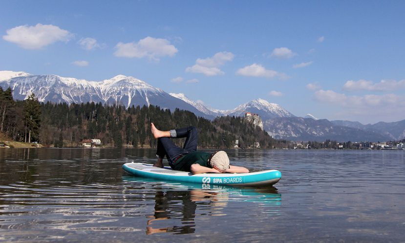 World's First Self-Inflating Electric Standup Paddleboard