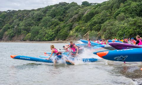 Start of the race at the 2017 Hoe Toa NZ Paddle Champs 2017. | Photo credit: Georgia Schofield