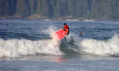 14-year-old Jeffrey Spencer wins the 2015 Tofino SUP Surf Invitational. | Photo Courtesy: Liam McDonald