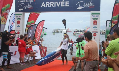 Tahitians Dominate & Dark Horses Win At 2016 Air France Paddle Festival