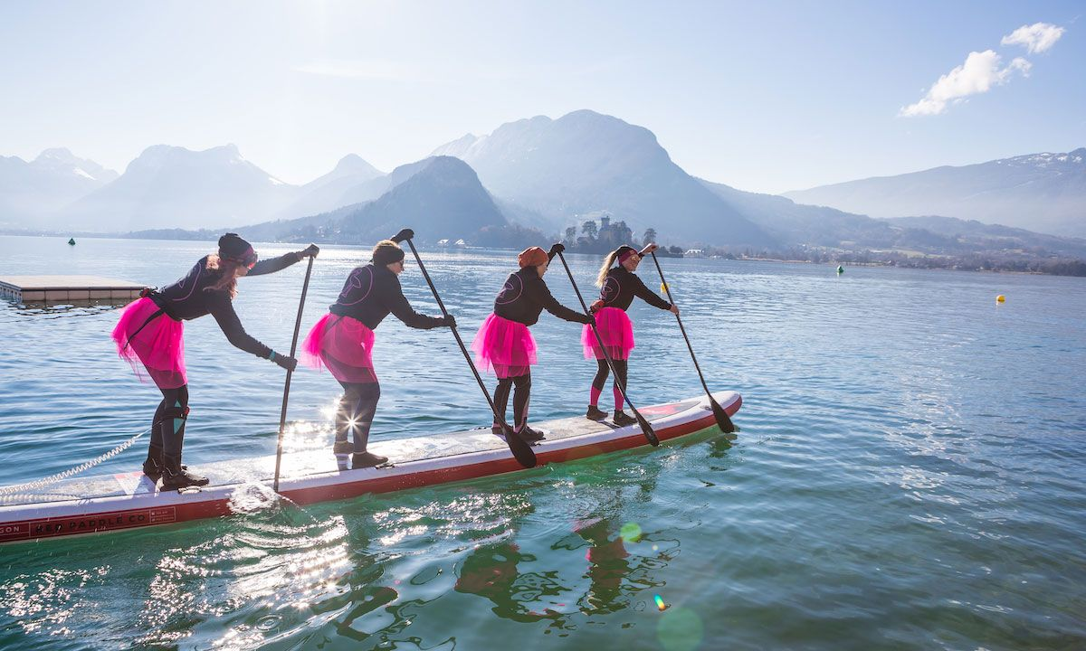 Team racers ready for the event start at the GlaGla race held on Lake Annecy. | Photo: Shutterstock