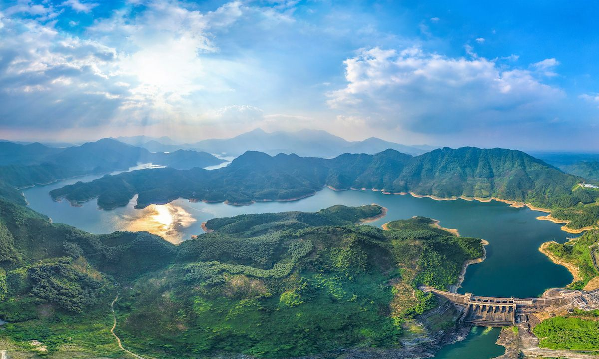 Natural scenery of Wanquan River Basin, Hainan Province, China | Photo: Shutterstock