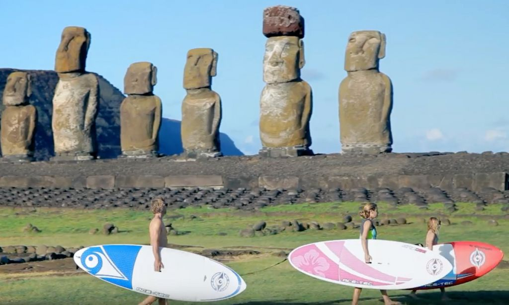 Carine Camboulives and Manu Bouvet travel to Rapa Nui.