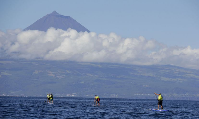 Beautiful sights can be seen during the São Jorge 2 Pico race. | Photo: Titan SUP