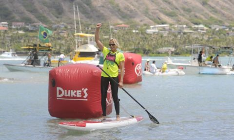 Sonni Hoenscheid wins the 19th Annual M2O for her second consecutive year. | Photo via: Molokai To Oahu