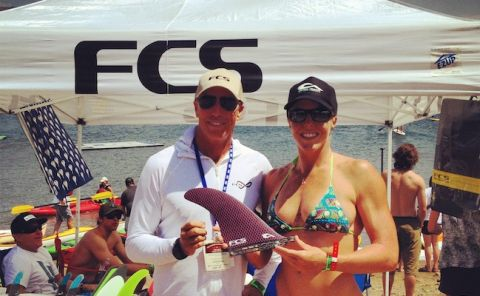 Candice Appleby shows us her new FCS SUP Stand Up Paddleboard Fin!