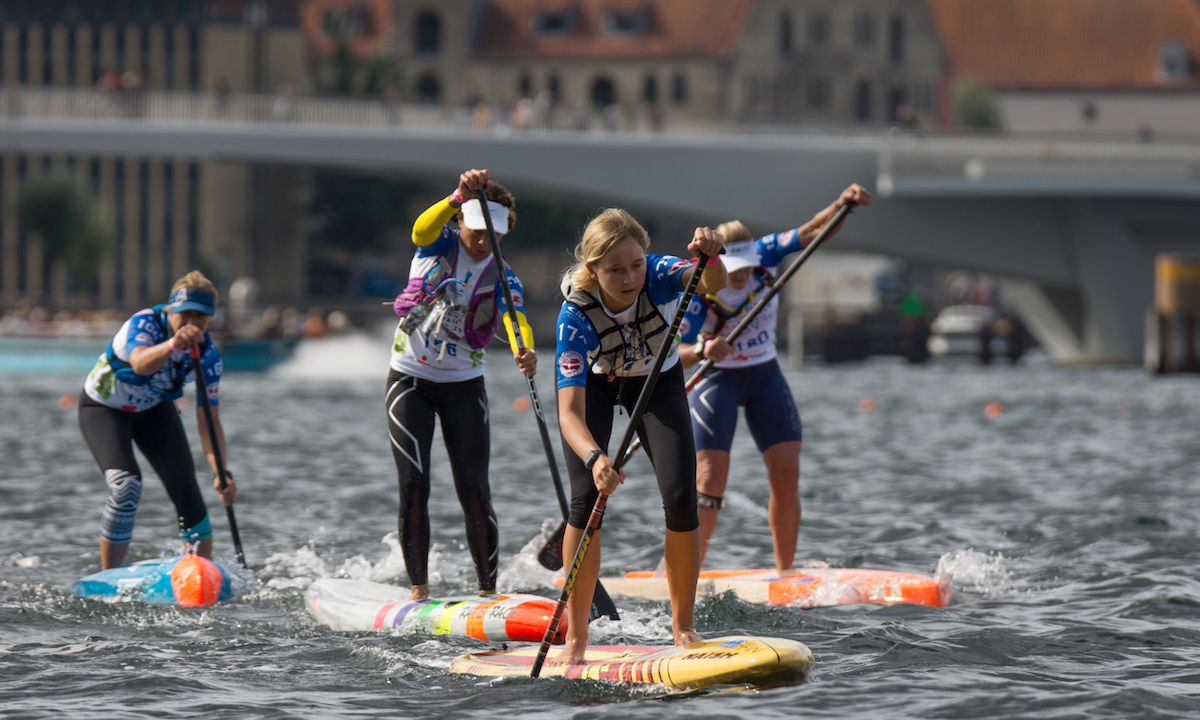 The Women's Distance Race takes to the water at the 2017 ISA World SUP and Paddleboard Championship in Copenhagen, Denmark. | Photo: ISA / Sean Evans