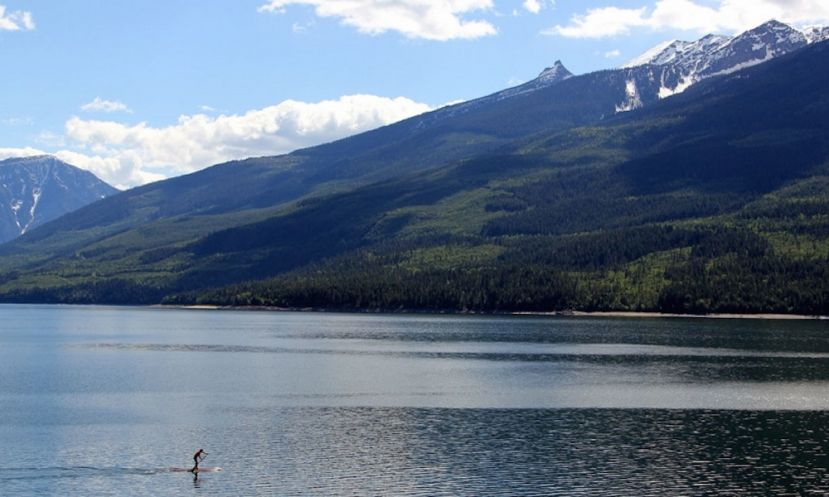SUP Athletes Compete For The First Time At 2016 Yukon River Quest
