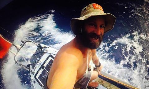 Chris Bertish snaps a selfie during his Transatlantic SUP crossing. | Photo: Chris Bertish