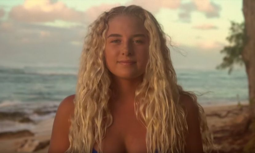 Power Surfing In Hawaii With Izzi Gomez