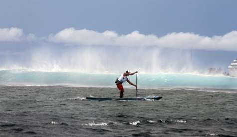Heated Battles Rule the Day at 2017 Air France Paddle Festival