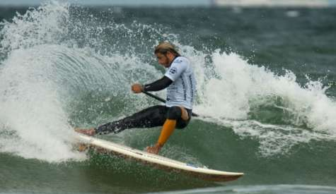 SUP Surfing Hits Challenging Conditions in Cold Hawaii for ISA Championships